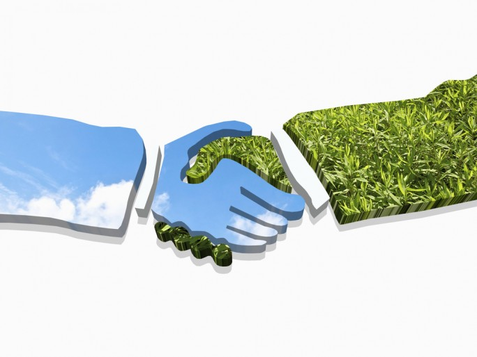 Cloud green contract deal © kenjito Shutterstock