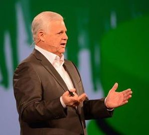 EMC Joe Tucci CEO