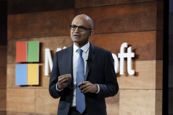 Microsoft gaining on Amazon in cloud